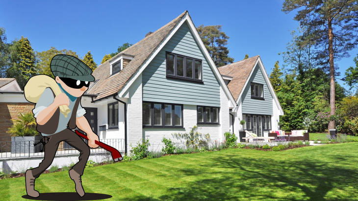 Burglar with a swag bag and crowbar in front of an empty house - home protection and smart home security featured image